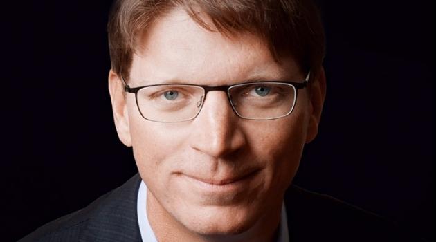 Porträttbild av Niklas Zennström